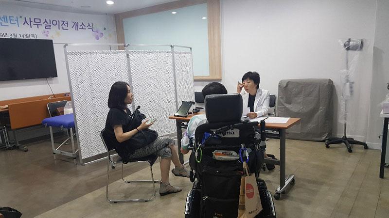 20190620-이음인권의료단-진료1.jpg
